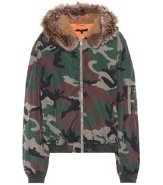 YEEZY Camouflage bomber jacket (SEASON 5). #yeezy #cloth #