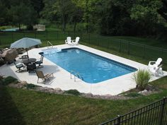 Best Garden Decorations Tips and Tricks You Need to Know - Modern Backyard Pool Landscaping, Backyard Pool Designs, Small Backyard Pools, Swimming Pools Backyard, Pool Decks, Outdoor Pool, Outdoor Spaces, Outdoor Living, Inground Pool Designs