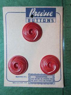 """(3) 7/8"""" PREVUE PINK PLASTIC 2-HOLE BUTTONS - VINTAGE ORIGINAL CARD Lot#102"""