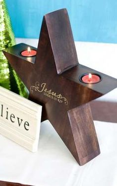 New Diy Outdoor Christmas Decorations Candle Holders 50 Ideas Christmas Candle Decorations, Christmas Wood Crafts, Wooden Projects, Wooden Crafts, Cadeau Client, Candle Holder Decor, Wood Creations, Diy Candles, Tea Light Holder