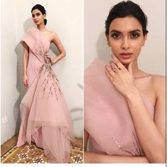 Spotted: Get summer cocktail ready in this millennial pink couture piece, as spotted on the lovely lady for Filmfare 2018 ✨ this outfit at Carma by sending us a screenshot at African Evening Dresses, Sexy Evening Dress, Indian Gowns Dresses, Formal Evening Dresses, Elegant Dresses, Stylish Dresses, Evening Gowns, Prom Dresses 2015, Backless Prom Dresses