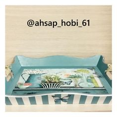 İlknur Öztürk - @ahsap_hobi_61- Ahşap boyama tepsi Decoupage Suitcase, Decoupage Box, Palet Projects, Diy Projects, Weekend Crafts, Country Paintings, Wood Tray, Wood Pallets, Painting On Wood