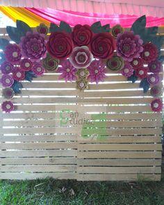 #photobooth #paperflower #paperflowerphotobooth #rusticbackdrop #wedding #decor #decoration #outdoor