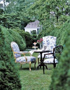 toile in the tea garden