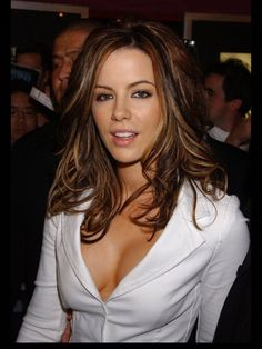 Kate Beckinsale    <imdbot..