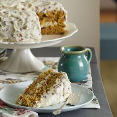 My husband constantly requests this homey, old-fashioned version of carrot cake. The frosting is still tasty even without the pecans. —Adrian Badon, Denham Springs, LouisianaCarrot Cake with Pecan … Just Desserts, Delicious Desserts, Dessert Recipes, Green Desserts, Yummy Food, Brunch Recipes, Still Tasty, Fall Cakes, Cupcakes