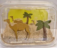 Desert In A Box: Biome diorama – Life Over Cs - Kunstunterricht School Projects, Projects For Kids, Crafts For Kids, Art Projects, Creative Challenge, Camel Craft, Desert Diorama, Desert Crafts, Desert Biome