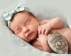 Pictures for Fathers Day (with Daddy's badge of course!) www.chelliedeephotography.com