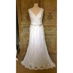 "Preloved Enzoani ""Helina"" Wedding Dresson sale at Gillian Million, London. Only £1350 #prelovedweddingdress #enzoani #weddingdress #bride"