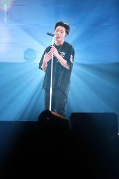 performed from his first solo album Kim Ji Won, Korea Boy, Korean K Pop, Kim Hanbin, Fandom, Fans Cafe, Flower Boys, Best Dad, Amor