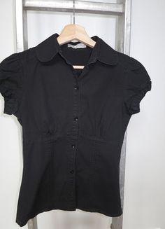 A vendre sur #vintedfrance ! http://www.vinted.fr/mode-femmes/blouses-and-chemises/15798794-chemisier-noir-zara-taille-s