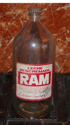 antigua botella de 1 litro de leche Ram descremada, etiqueta en buen estado vean fotografias