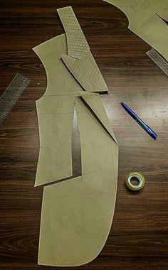 Tailoring Techniques, Techniques Couture, Sewing Techniques, Suit Pattern, Collar Pattern, Jacket Pattern, Coat Patterns, Dress Sewing Patterns, Clothing Patterns