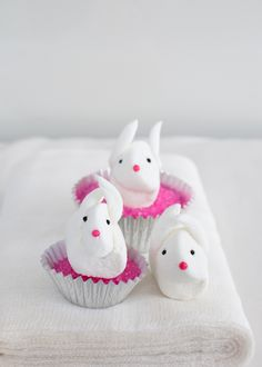 Marshmallow bunnies DIY for Easter on Super Make It.