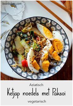 Ketjap noedels met paksoi – De K van Koken Cobb Salad, Ethnic Recipes, Food, Red Peppers, Essen, Meals, Yemek, Eten