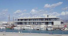Edificio de serviço da Zona Náutica-Esportiva do Porto de Barbate / Enrique Abascal