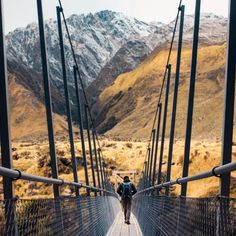 The hike to Rob Roy Glacier in NZ was one of my favourite adventures ever. From walking through the gorgeous mountain valley at sunrise, crossing this bridge over a rushing turqouise river