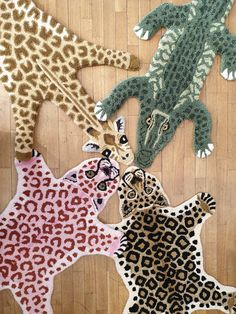 Funky Rugs, Cool Rugs, Diy And Crafts, Arts And Crafts, Motifs Animal, Punch Needle, Rug Hooking, Textile Art, Handicraft