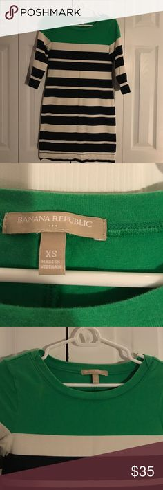 Women's Banana Republic Dress Women's Banana Republic dress! Great condition! 31 inches in length with three quarter length sleeves. Only worn once. Banana Republic Dresses