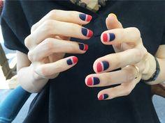 mattified nails of horizontal stripes - NAIL COMMON