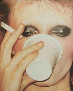 63 Ideas David Bowie Makeup Inspiration Make Up Bowie Ziggy Stardust, David Bowie Ziggy, Fleetwood Mac, Stevie Nicks, Freddie Mercury, Rolling Stones, David Bowie Makeup, Le Vent Se Leve, Rocky Horror Picture Show