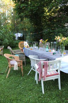Niinan unelmia: Mittumaari, Juhannus, keskikesän juhla Outdoor Furniture Sets, Outdoor Decor, Habitats, Table Settings, Lifestyle, Garden, Party, Cottage, Dreams