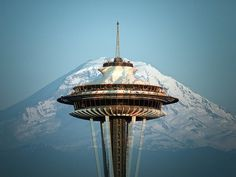 Amazing photo of the Space Needle, Seattle. I have been at the Needle. Really cool.