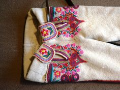 Folk Costume, Costumes, Folk Clothing, Embroidery Stitches, Poland, Dress Up Outfits, Costume, Swimwear, Needlepoint Stitches
