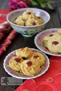 Bake for Happy Kids: Searching for the best Nyonya Butter Cookies / Bis. Chewy Peanut Butter Cookies, Butter Cookies Recipe, Buttery Cookies, Biscuit Cookies, Biscuit Recipe, Cookie Desserts, Dessert Recipes, Yummy Recipes, Goody Recipe