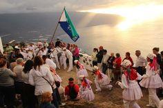 Los Bailarines de la Isla de El Hierro, Bajada de la Virgen.