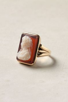 vintage carved agate cameo ring