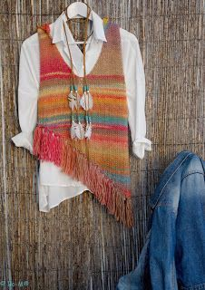 knitting hippy style (the sixties are calling) Crochet Poncho, Crochet Lace, Magia Do Crochet, Poncho Pullover, Knitting Patterns, Crochet Patterns, How To Purl Knit, Crochet Woman, Vest Pattern