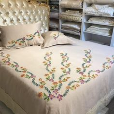 No automatic alt text available. Ribbon Embroidery Tutorial, Fabric Flower Tutorial, Hand Embroidery Designs, Quilt Bedding, Bedding Sets, Bed Sheet Curtains, Designer Bed Sheets, Sewing Paterns, Floral Bedspread