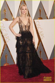 Jennifer Lawrence Wears Sheer Dress on Oscars 2016 Red Carpet