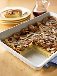 Make this scrumptious make-ahead French toast with brown sugar sauce. It's sweet and easy! What's For Breakfast, Best Breakfast Recipes, Breakfast Dishes, Brunch Dishes, Christmas Breakfast, Breakfast Casserole, Make Ahead French Toast, French Bread French Toast, French Toast Ingredients