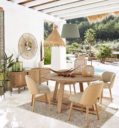 Discover a large selection of unique furniture and decorations at Maisons du Monde. Style Californien, Decorating Your Home, Diy Home Decor, Decorating Tips, Interior And Exterior, Interior Design, Deco Boheme, Decoration, Outdoor Living