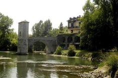 Pyrénées-Atlantiques Pays basque Béarn Le pont de la Légende à Sauveterre-de-Béarn