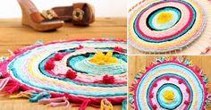 Dale un toque de color a tu hogar haciendo esta alfombra de colores que utiliza un aro de hula- hula y camisetas viejas.