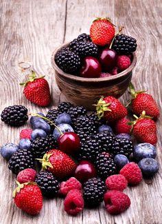1日数個のベリー、ぶどうを食べると、脂肪を燃焼しやすくなる。