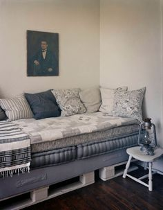 Grey shades pallet day bed? Hmm, maybe