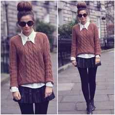 Bun, big glasses, comfy sweater, skirt, and tights. Sweater Skirt, Jumper Shirt, Comfy Sweater, Sweatshirt, Autumn Winter Fashion, Fall Fashion, Winter Wear, Winter Style, Street Fashion
