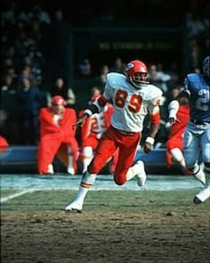 One of my favorite Chiefs Otis Taylor Nfl Football Players, Chiefs Football, School Football, Sporting Kansas City, Nfl Kansas City Chiefs, Otis Taylor, Team Coaching, Wide Receiver, Vintage Football