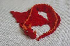 Free Crochet Pattern - Six Little Mice: Dragon Scarf Pattern Cute Crochet, Crochet For Kids, Crochet Crafts, Crochet Projects, Yarn Crafts, Diy Crafts, Crochet Scarves, Crochet Shawl, Knit Crochet