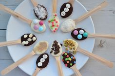 Hot Chocolate Spoons, DIY gift idea, easy gift idea, a gift every chocolate lover will appreciate, food and drink, edible gifts, Christmas gift, thoughtful gift