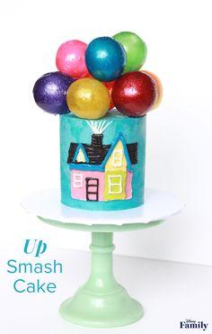 Take Your Kiddo's Birthday to New Heights With an 'Up' Smash Cake Walt Disney, Disney Diy, Disney Family, Disney Food, Disney Pixar, Smash Cake Recipes, Cake Smash, Disney Up Cake, Disney Desserts