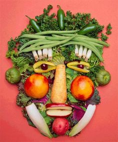 funny food pictures | Food always tastes better whe it look like a face!