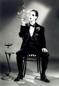 Dita Von Teese. lesbian, lesbians, nostalgica, vintage, drag king, women's history, belle epoque, 1920, 1930, 1940, 1950