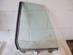 Glass - R107 Left Rear 450SLC 1076730110 1076700147 1076400128