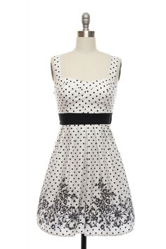 $37 - reverse color scheme ..... Monochromatic Floral Dress | Vintage, Retro, Indie Style Dresses