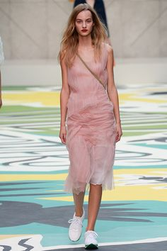 Burberry Prorsum Spring 2015 Ready-to-Wear - Collection - Gallery - Look 7 - Style.com